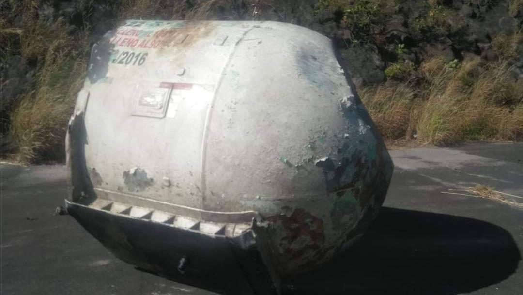 Una pipa con doble semirremolque explotó sobre la autopista Tepic-Guadalajara, dejando un saldo de 15 muertos