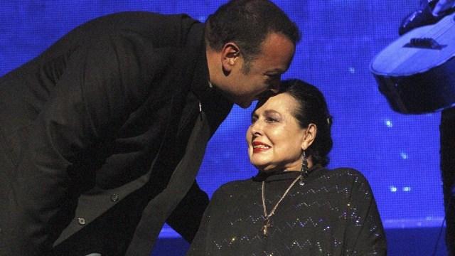 Así fue el último adiós de Pepe Aguilar a su mamá Flor Silvestre