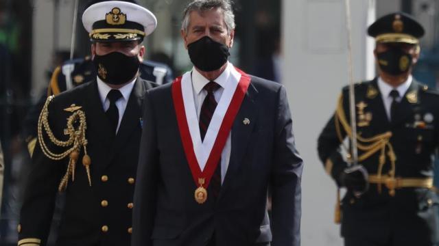 Francisco-Sagasti-asume-como-nuevo-presidente-de-Perú