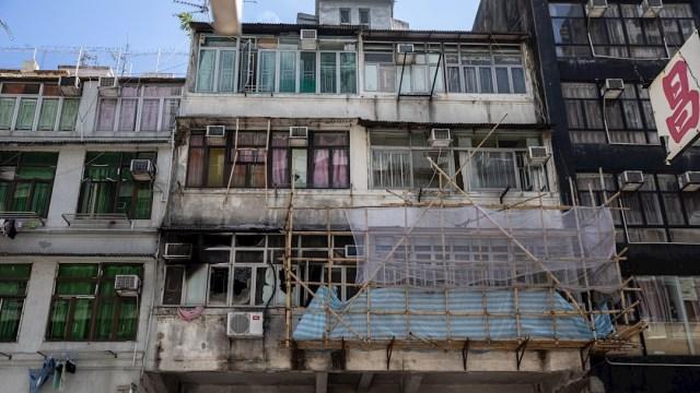Incendio de edificio en Hong Kong deja siete muertos
