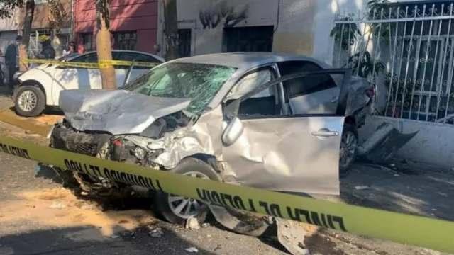 Mueren dos personas por choque en Guadalajara