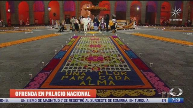 ofrenda en palacio nacional en honor a muertos por covid