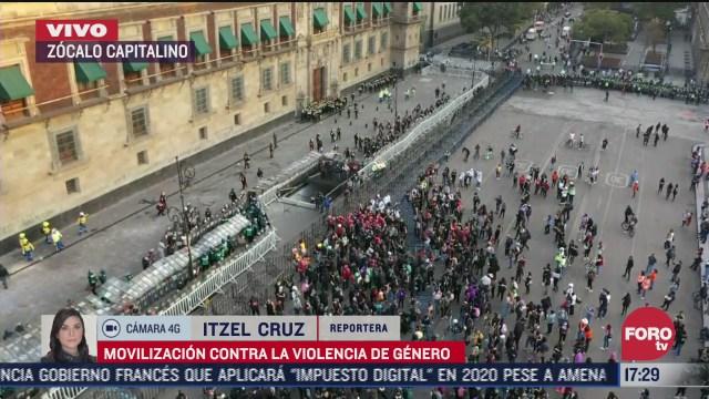 participantes en marcha feminista denuncian robos durante su protesta en el zocalo