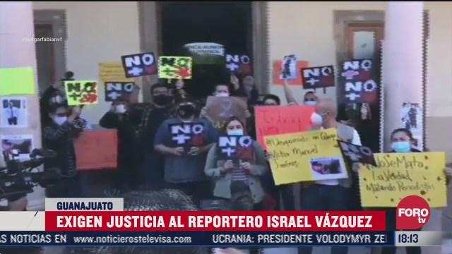 periodistas protestan por homicidio del reportero israel vazquez de guanajuato