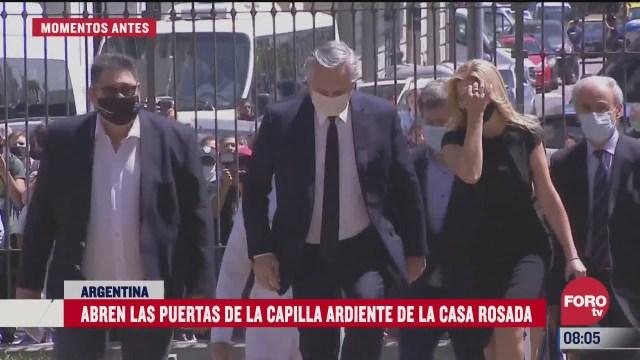 presidente argentino acude a velatorio de maradona en buenos aires