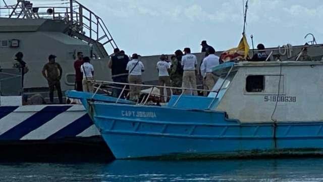 Rescatan a 14 migrantes cubanos en mar de Quintana Roo