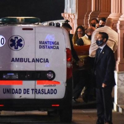 Restos de Maradona llegan a la Casa Rosada para ser velados