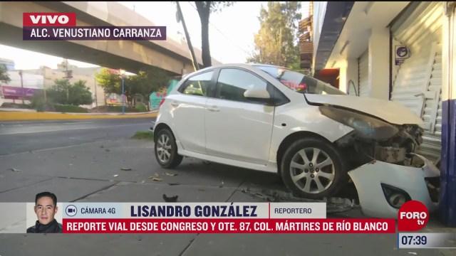 auto choca contra local comercial en la rio blanco cdmx