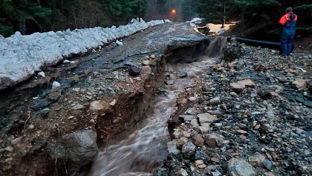 Deslave en Alaska destruye viviendas; hay 2 desaparecidos