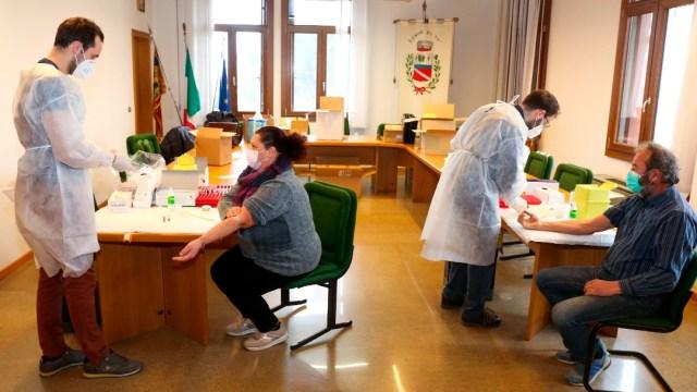 Italia tendrá vacunas gratis contra COVID-19, distribución comenzará a inicios de 2021