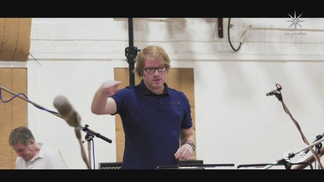 musicos de todo el mundo se unen en una sola cancion