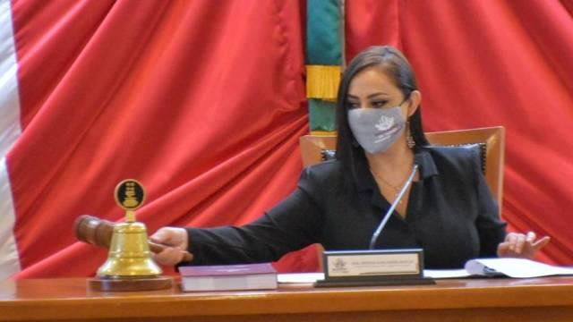 La alcaldesa de Naucalpan, Patricia Durán, se casó con semáforo rojo en una boda con 150 invitados