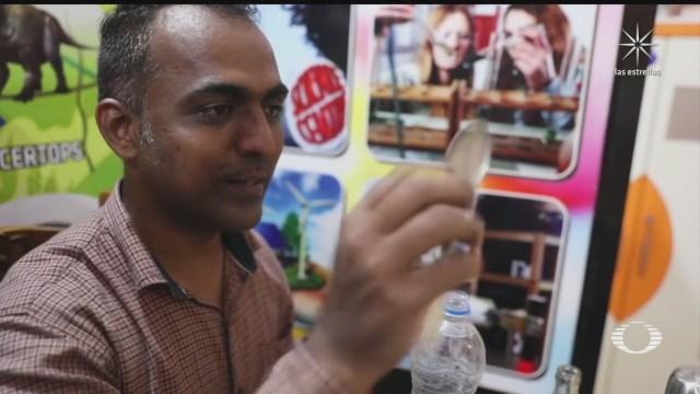 reconocen labor de profesor que da clases a ninas en la india