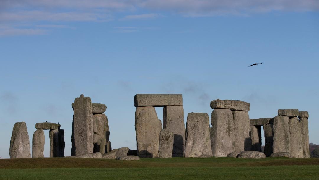 Cierran monumento prehistórico de Stonehenge por intrusión masiva de manifestantes