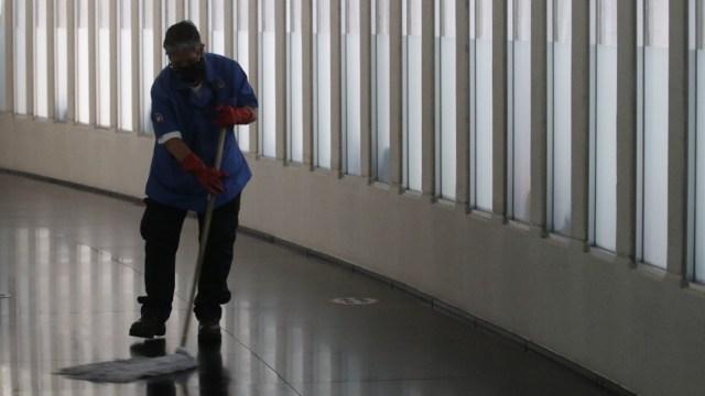 Trabajador de limpieza en la CDMX
