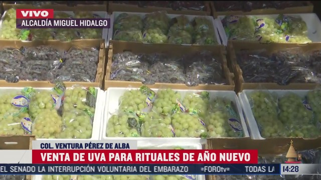 uva de distintos precios lista para ser comercializada por ano nuevo