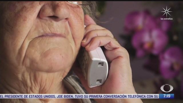 autoridades llaman a adultos mayores por vacuna contra covid