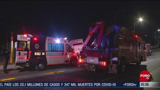 camioneta de carga choca con camion de basura en la venustiano carranza