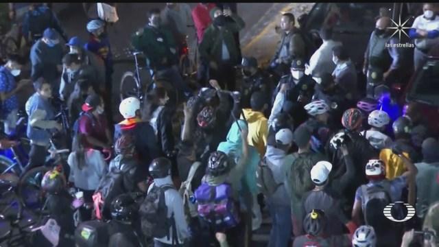 ciclistas y automovilistas se confrontan en avenida viaducto y tlalpan cdmx