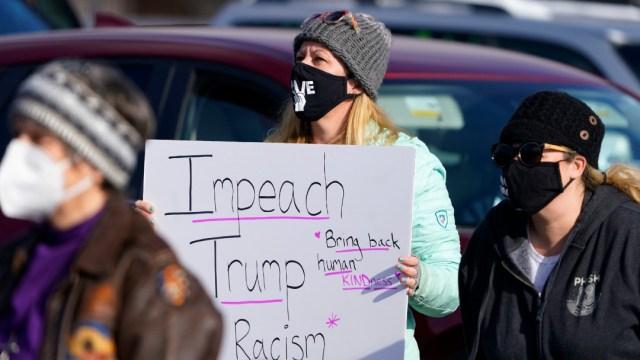 Ciudadanos exigen juicio político contra Trump