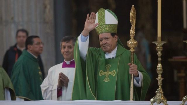 Desintuban al cardenal Norberto Rivera, tras mejoría ante COVID-19