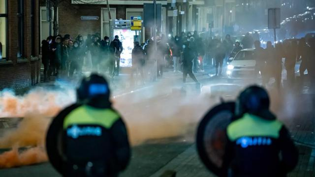 Países-Bajos-vive-tercera-noche-de-disturbios