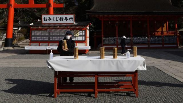 Japón niega entrada a extranjeros como medida COVID-19