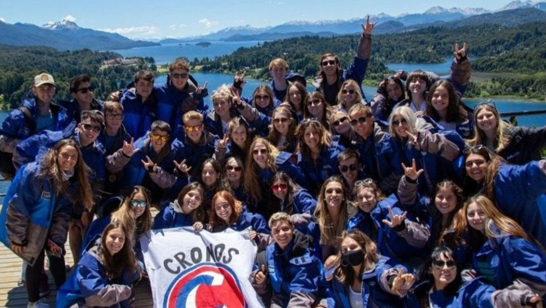 En Bariloche, Argentina 66 estudiantes contrajeron COVID-19 en un viaje de graduación