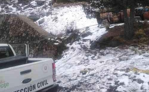 Frente frío 26 provoca primera nevada del año en Cofre de Perote