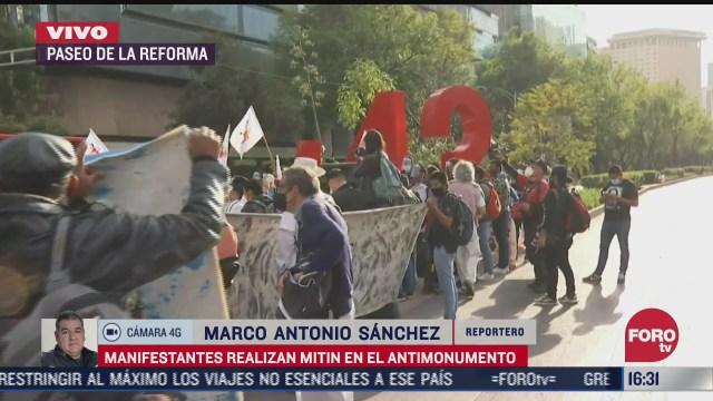 manifestantes realizan mitin en reforma