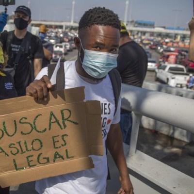 Migrantes que solicitaron asilo a EEUU deberán esperar en México resolución de la Corte