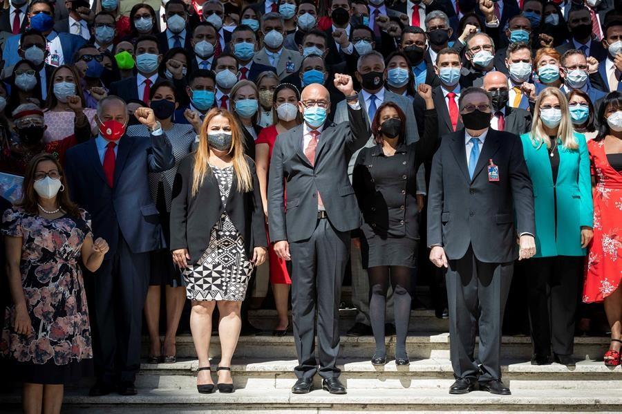 Chavismo-instala-nuevo-Parlamento-en-Venezuela