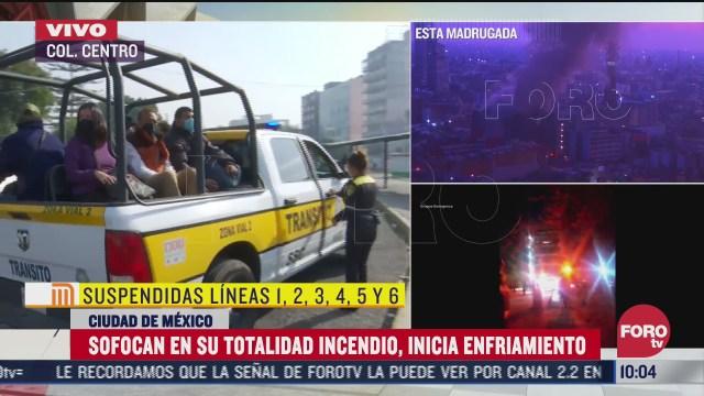 patrullas de transito trasladan a usuarios del stc metro