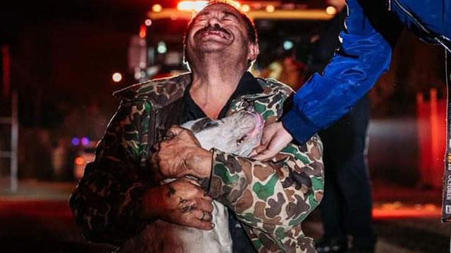Don Mario Méndez perdió su casa en un incendio en Mexicali, pero lo fundamental para él era rescatar a su perrito