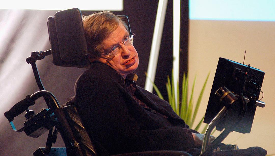 Stephen Hawking aseguró que virus podría acabar con los humanos
