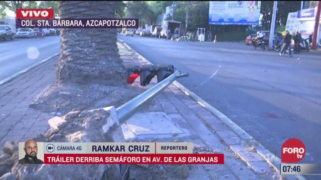 trailer derriba semaforo en calles de la alcaldia azcapotzalco cdmx