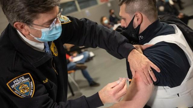 Vacunación contra COVID-19 en Nueva York