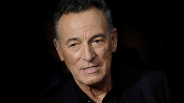 Springsteen-pagará-multa-de-540-dólares-por-tomar-tequila
