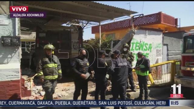 camion de carga choca contra vivienda en xochimilco cdmx