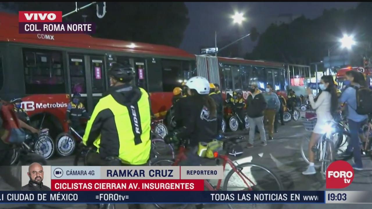 ciclistas en cdmx bloquean avenida de los insurgentes