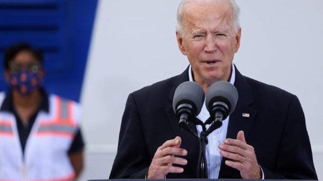 Joe-Biden-inspecciona-daños-por-tormenta-invernal-en-Texas