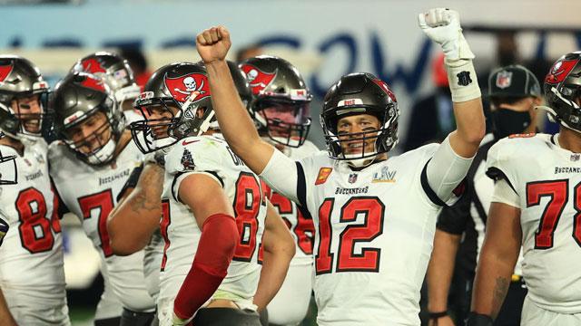 Tom Brady ganó su séptimo anillo de Super Bowl en 2021 con los Bucaneros y se convierte en el mejor jugador de la historia