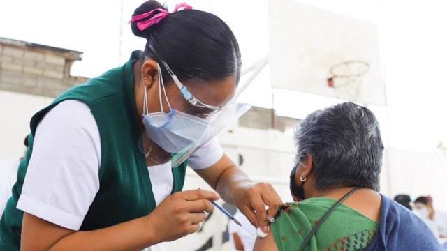 Bajo supervisión del gobernador, Oaxaca continuó con éxito jornada de vacunación
