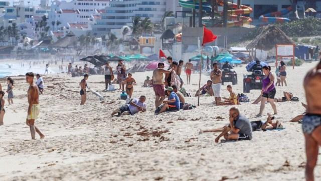 Se contagian 44 jóvenes argentinos de COVID-19 tras viaje a Cancún