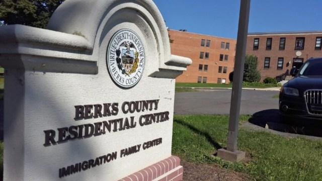 Centro de detención en Pensilvania libera a familias migrantes