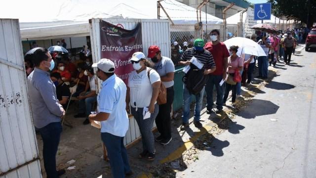 Concluye aplicación de segunda dosis de vacuna contra COVID a maestros en Campeche