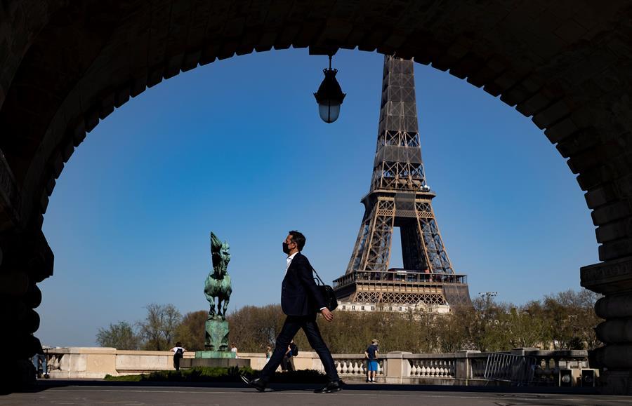 Presidente francés anunciará nuevas medidas para frenar la pandemia