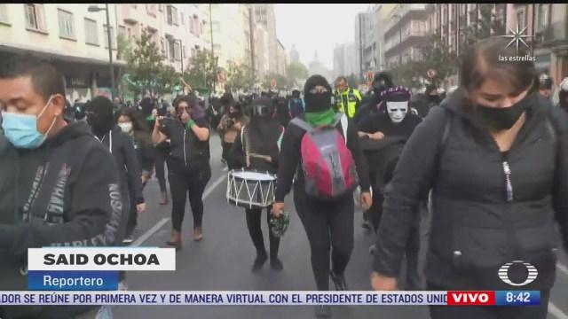 feministas se retiran del zocalo de la ciudad de mexico