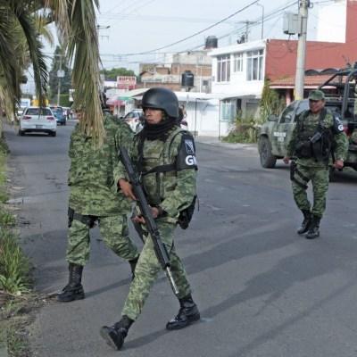 Grupo-armado-irrumpe-en-hospital-y-rescata-a-reo-en-Puebla