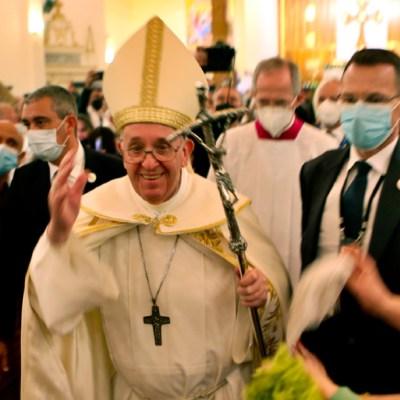 Francisco celebra en Irak primera misa de un papa con rito caldeo